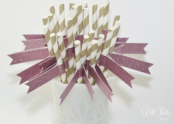 Свадьба - Gold & White Stripe Paper Straws with Pink Glitter Flags - 25 count - 1st Birthday