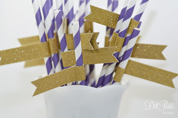 Свадьба - Purple & White Stripe Paper Straws with Gold Glitter Flags - 24 count - LSU