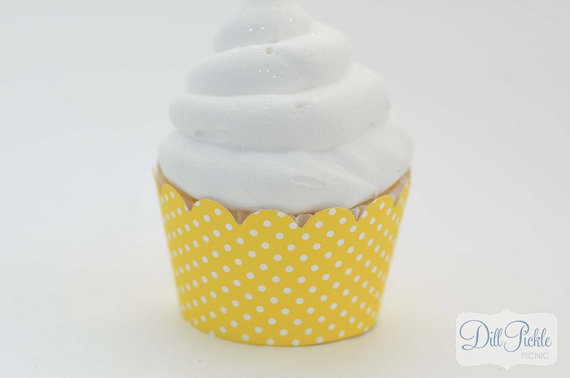Mariage - Yellow and White Polka dot Cupcake Wrappers -  Set of 24 - Standard Size
