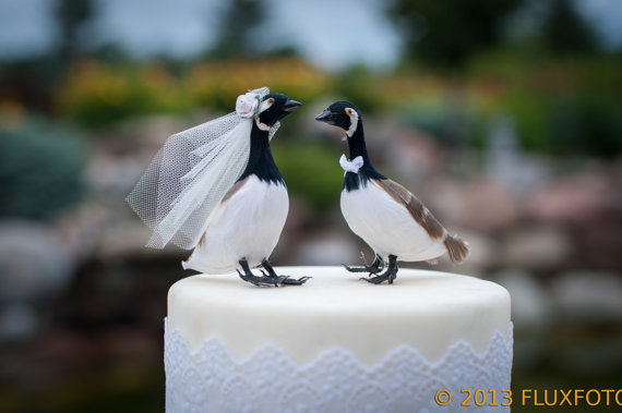 Mariage - Canada Goose Wedding Cake Topper: Rustic Bride and Groom Love Bird Cake Topper - WE'RE MOVING! Shipping resumes 11/1/2015