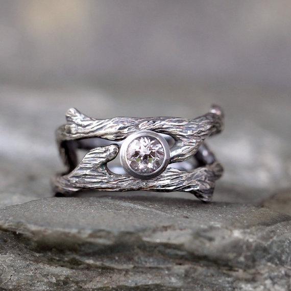 twig style engagement ring and wedding band set white
