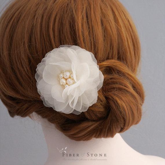 Mariage - Pure Silk Bridal Hair Flower, Wedding Hair Flower, Bridal Flower Hair Clip, Wedding Hair Piece, Wedding Hair Accessories, Freshwater Pearls