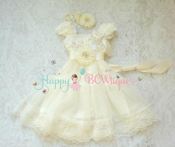 Свадьба - Flower girls dress- Ivory Chiffon Lace Dress set, Ivory Dress,baptism,rustic dress,Rustic flower girls lace dress,Girls Dress,Birthday dress