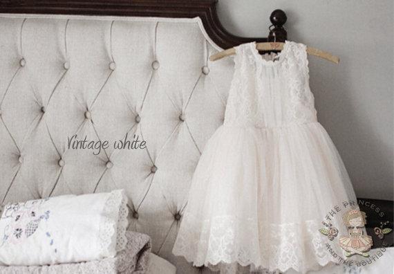 a2ca08d99 Vintage White Flower Girl Dress