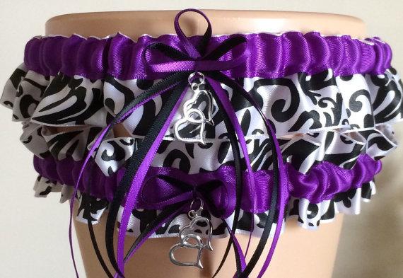 Свадьба - Purple Damask Wedding Garter Set, Bridal Garter Set, Keepsake Garter, Prom Garter, Wedding Accessories, Garters