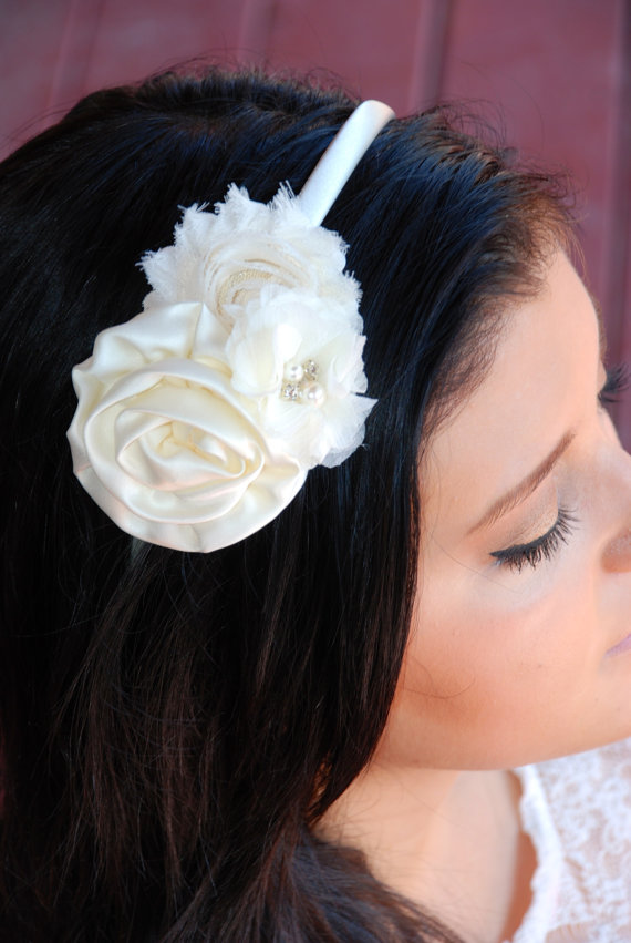 Mariage - Ivory Shabby Chic,   Flower girl headband, Wedding Headband, baby headband, first communion, bridesmaid, wedding, ivory hard headband