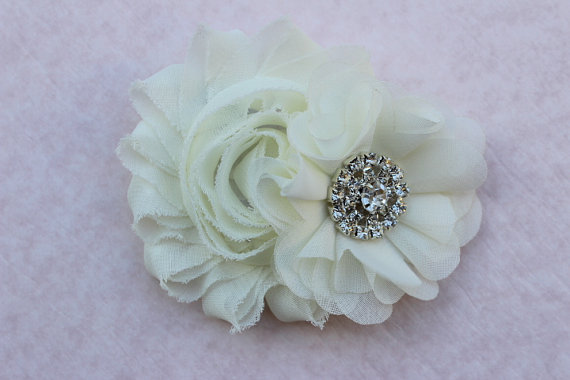 Mariage - Ivory Flower girl hair clip flower girl cream hair accessory wedding headband toddler flower girl outfit hair bow ivory hair bow cream clip