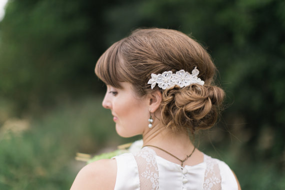 Mariage - Ivory Lace Hair Comb Pearl Wedding Victorian Hair Comb,  Hand Embroidered bridal Head piece, bridal lace headband, bridal headpiece vintage