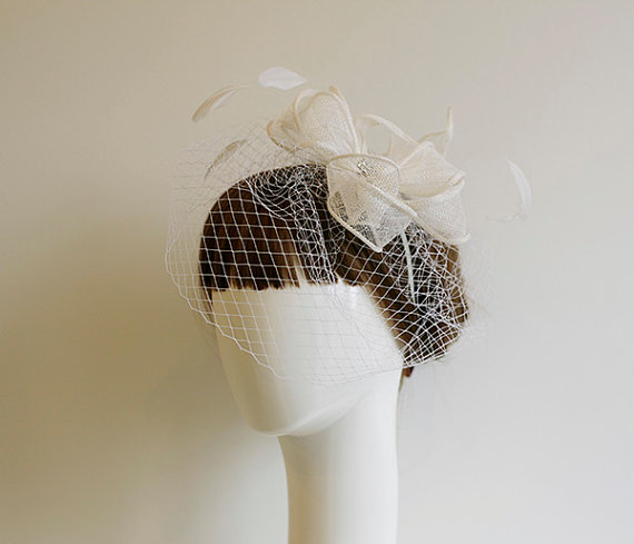 Mariage - Birdcage Veil Fascinator, Bridal headpiece, Wedding Hair Flower, Fascinator, Veil