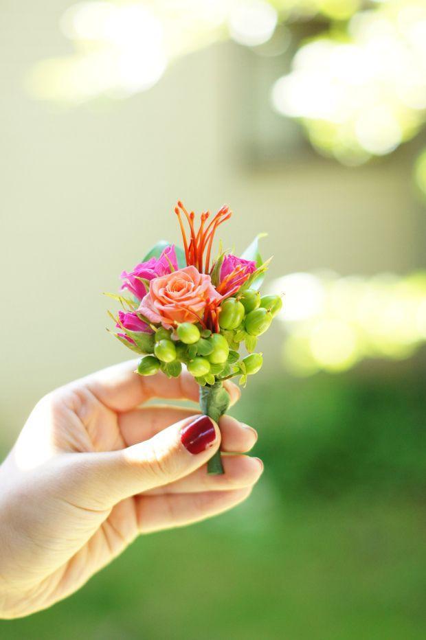 Hochzeit - Hot Pink Wedding Flowers - Threads & Blooms
