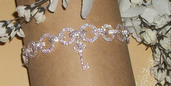 Mariage - Sale on Rhinestone Garter,Garter Set,Key Garter,Plus Size Garter,Plus Size Bride,Elegant Garter,Wedding, Key To Your Heart,FREE Toss Garter