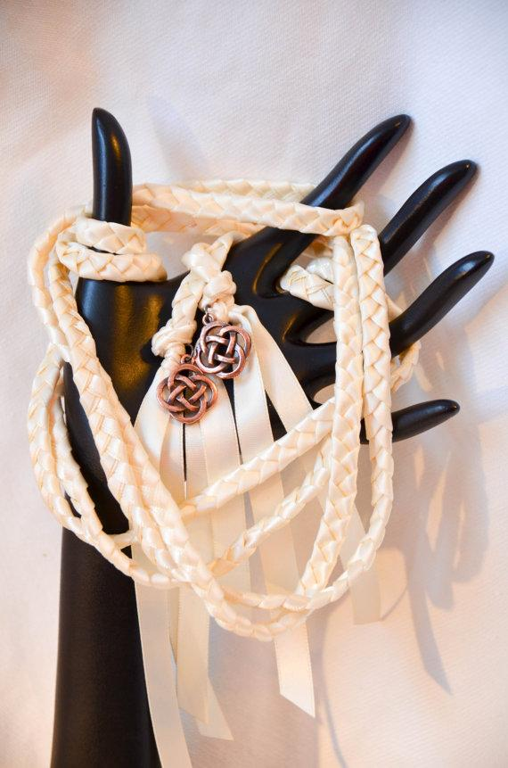 Hochzeit - Celtic Knot Wedding Hand Fasting/ Binding Cord v2 ~Ivory 6ft Handfasting cord ~ Celtic ~ Irish ~ Tying the Knot