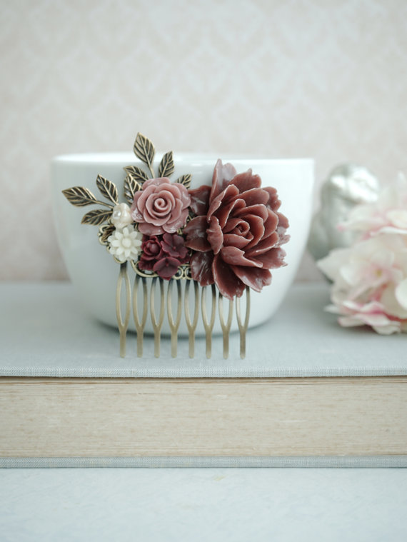 Свадьба - Crimson Red Rose Flower, Shabby Garnet Red Flower Collage Hair Comb. Bridesmaids Gift Hair Accessory, Bridal Comb. Fall Rustic Red Wedding.