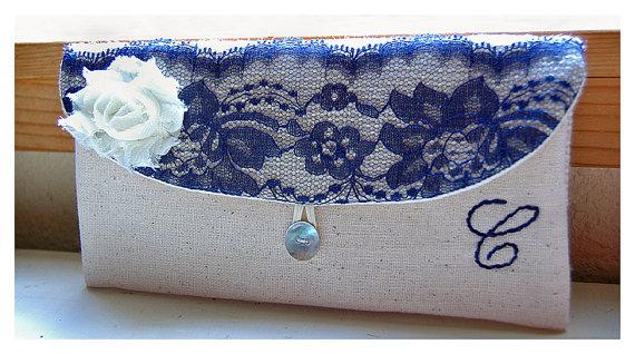 Свадьба - navy blue lace Personalize Bridesmaid gift burlap clutch purse bag blue lace bridesmaid clutch wedding clutch bridal clutch cosmetic MakeUp
