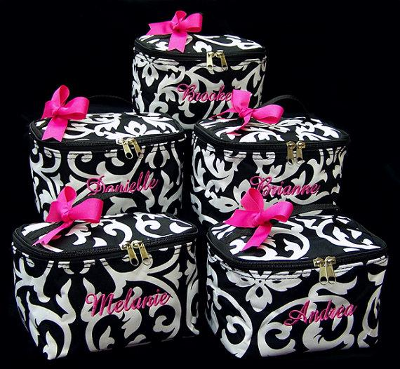 Свадьба - 8 Personalized Cosmetic Cases Black White Damask