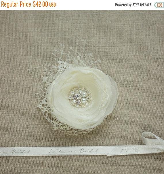 Свадьба - Ivory Hair flower, Bridal hair flower, Wedding hair flower, Bridal hair accessories, Wedding headpiece, Flower hair pin, Bride hair flowers