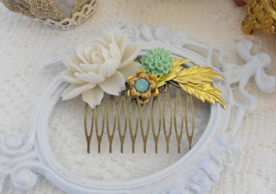 Mariage - Flower Hair Comb, Assemblage Hair Comb, Off White Rose, Vintage Inspired, Whimsical, Mint and Gold Hair Comb,Resin Hair Comb, Leaf Hair Comb