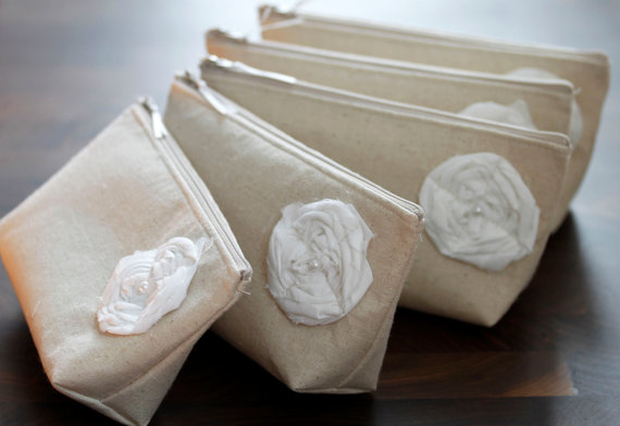 Hochzeit - Set of 6 + ONE FREE nuetral raw linen Bridesmaid Clutches, Clutch Purse, Fall Wedding, Rustic Wedding, Bridesmaid Gifts