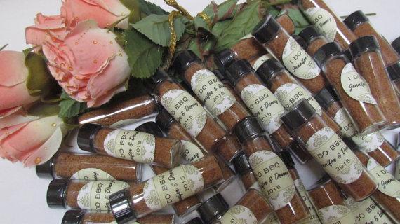 زفاف - Spices Wedding Favors Engagement Save the Date Anniversary ~ set of 24 personalized favors in Gold, Black, Pink, Green or Blue Damask
