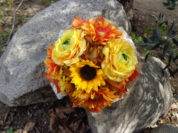 Свадьба - Fall bridal bouquet with sunflowers and trimmed with burlap