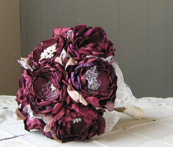 Свадьба - Fabric flower brooch bouquet . Burgundy wine merlot and carmel . Lace rhinestone and pearl . Any color