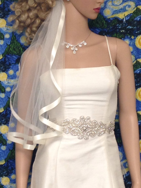 Hochzeit - ON SALE, Wide Ribbon Elbow/Waist Length 1 Tier, Satin Edge Veil