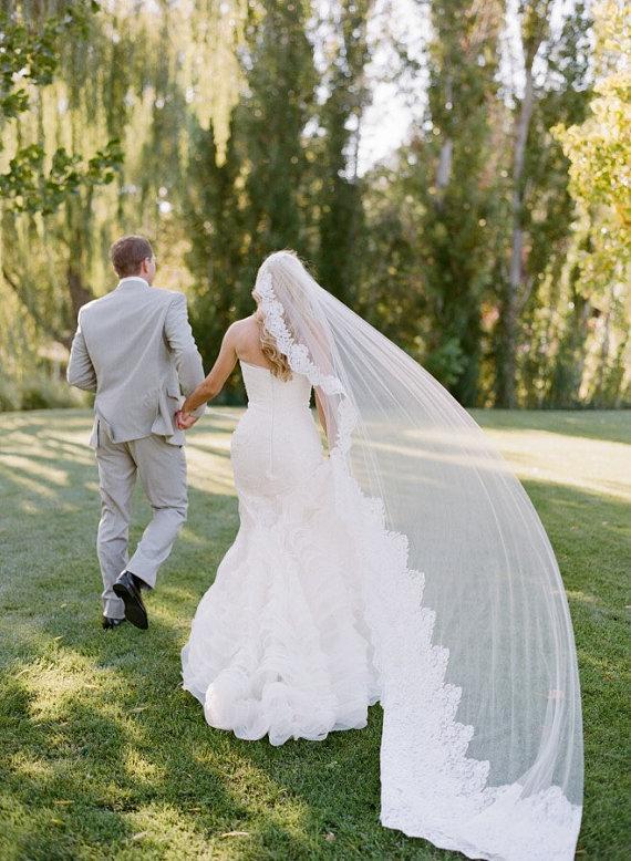 Wedding - Beautiful Lace Mantilla Veil
