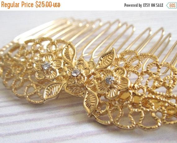 Свадьба - ON SALE 50% OFF Gold Lace Hair Comb With Rhinestones - Gold Filigree Hair Comb - Gold Bridal Hair Comb - Wedding Hair Accessory - Rhinestone