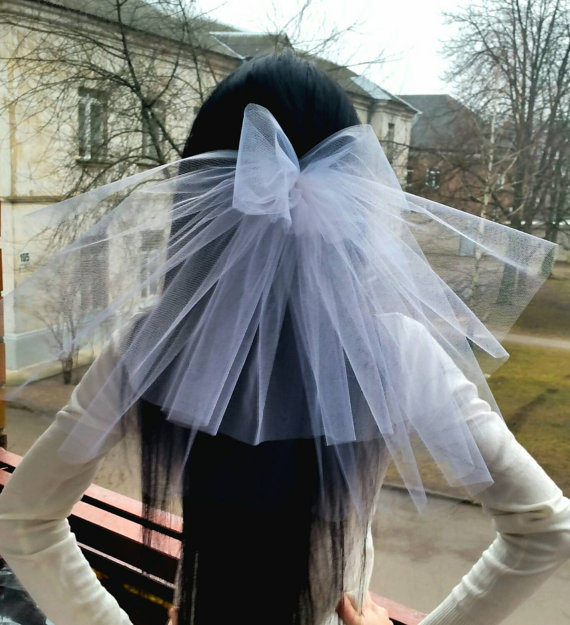 Mariage - Bachelorette party Veil 2-tier with bow, white, short length. Bride veil, accessory, bachelorette veil, hens party veil, bridal shower, idea