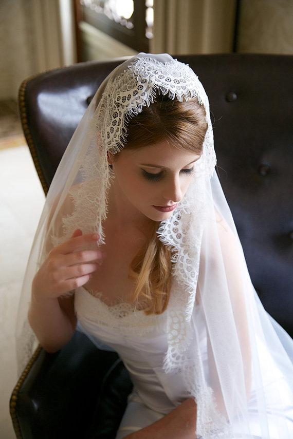 Mariage - Light Ivory Lace Veil, Waltz Length Traditional Wedding Veil, Eyelash Lace Edge, Tulle Bridal Veil, Lace Mantilla Bridal veil, Ready to Ship
