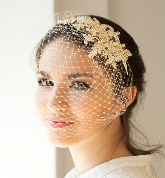 Mariage - Lace birdcage veil in light beige or ivory, full birdcage veil with lace, Wedding Veil