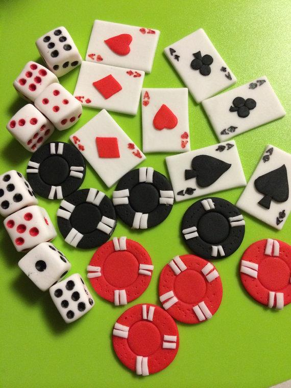 Hochzeit - 24 pieces Casino inspired edible fondant cupcake toppers cake topper decorations dice cards poker bachelorette party adult men ladies