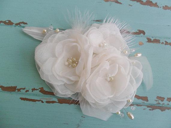 Hochzeit - Floral hairpiece, Bridal Hair Accessory, Organza Headpiece, Wedding Hair Comb, Feathered Fascinator,Bridal Hair Comb, Wedding Hair Accessory