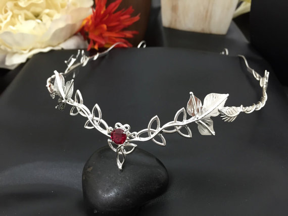 Mariage - Celtic Wedding Circlet, Bridal Circlet, Headpiece, Celtic Trinity Knot Woodland Leaf Circlet, Gemstone, Handmade, Sterling Silver