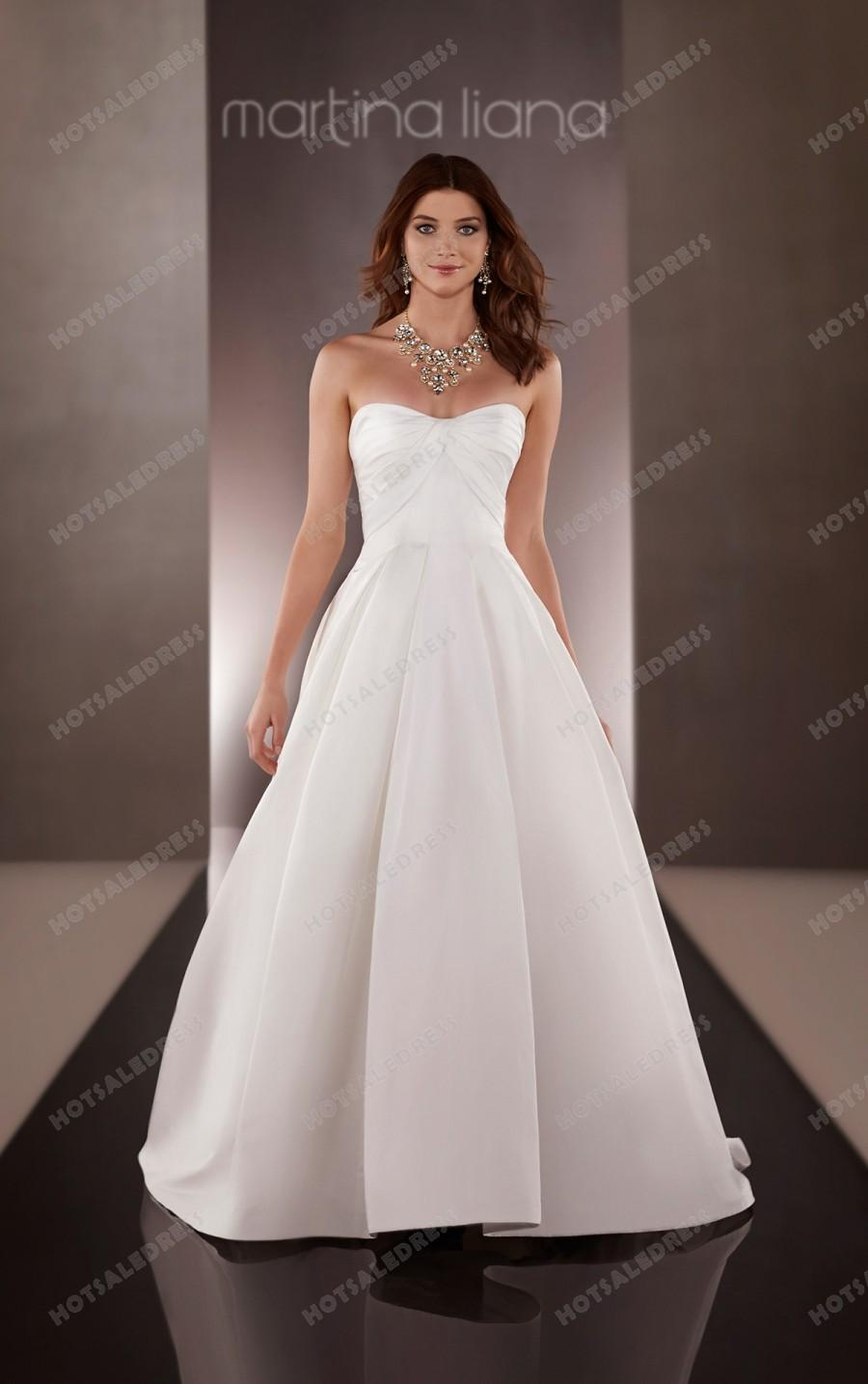 Свадьба - Martina Liana Natural Waist Wedding Dress Style 636