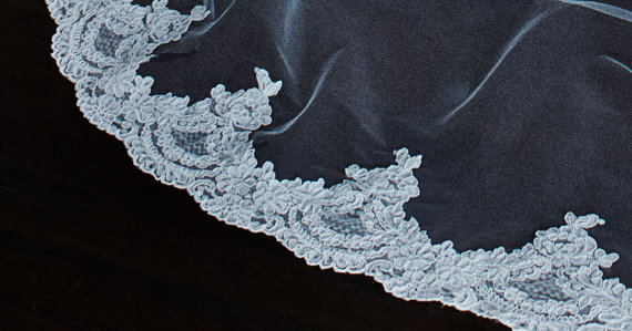 Свадьба - Wide Vintage Alencon Lace