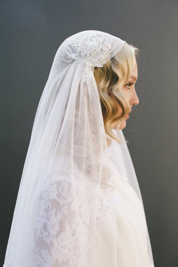 Свадьба - Eyelash Lace Veil, Juliet Cap Veil, Ivory Alencon Lace Veil, English Net Veil, Lace Bridal Veil, Ivory Lace Veil, Scallop Lace Veil,  #1519