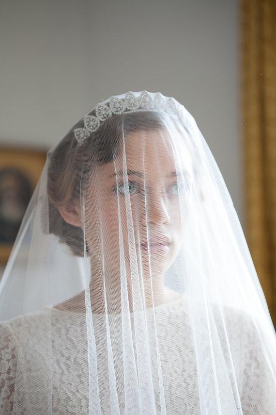 Mariage - Vintage Wedding Veil and Tiara  - Bridal Crown - Antique style Headpiece and  ivory drop veil - Art Deco Veil