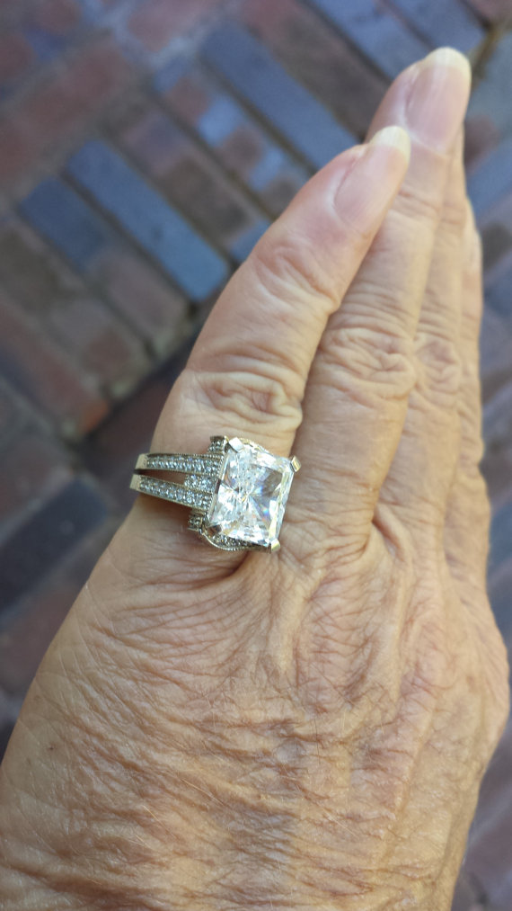 Mariage - vintage 4ct emerald cut ornate deco cz HIGH QUALITY designer signed sterling ring