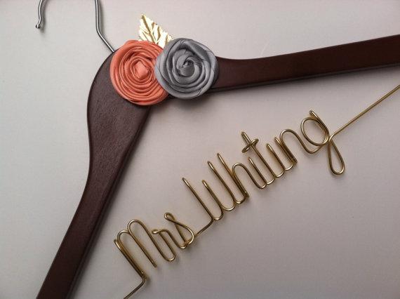 Mariage - Sale. Elegant Personalized Bridal Wedding Hanger. Custom Flowers. Flower Bridal Hanger.