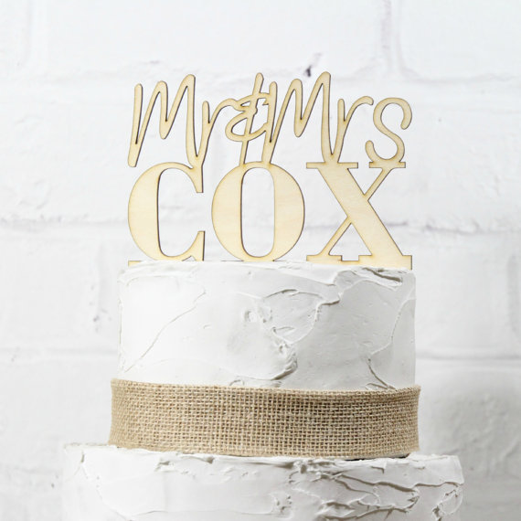 Mariage - Rustic Wedding Cake Topper or Sign Mr and Mrs Topper Custom Personalized with YOUR Last Name Paintable Stainable Wood