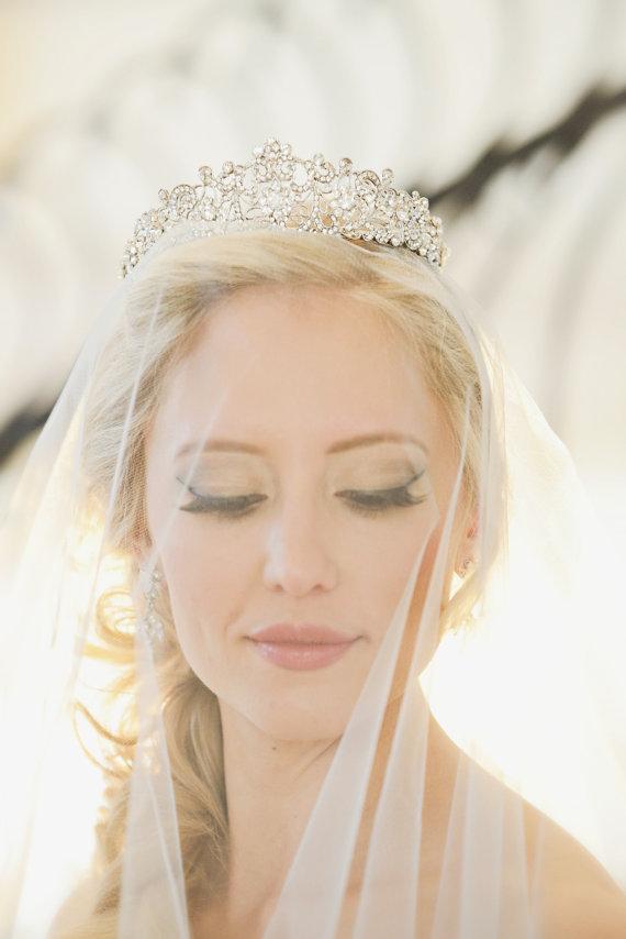 Свадьба - Swarovski Crystal Filigree Bridal Tiara, Crystal Wedding Crown, Rhinestone Tiara, Wedding Tiara, Diamante Crown Diadem, Princess Bride Tiara