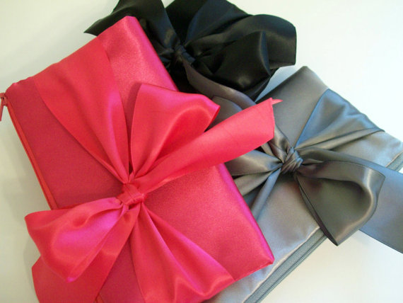 Mariage - Bow clutch (Monogram available) - Bridesmaid gifts, bridesmaid clutches, bridal clutches wedding party