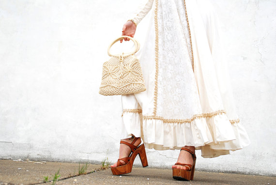 Mariage - Vintage ivory white boho purse, woven macrame handbag, wedding bridal cotton rustic floral embroidery natural 1960s