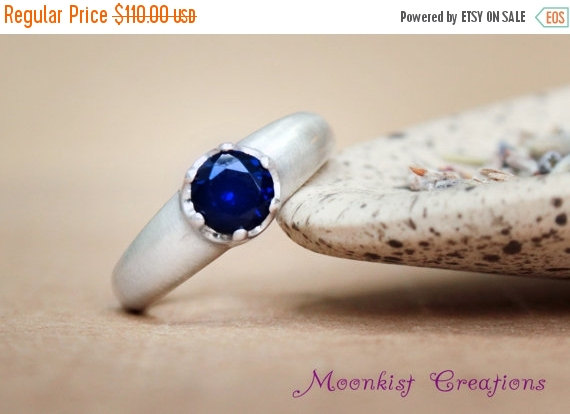 Mariage - ON SALE Blue Sapphire Solitaire Engagement Ring or Promise Ring in Sterling Silver - Diamond Alternative - September Birthstone Ring