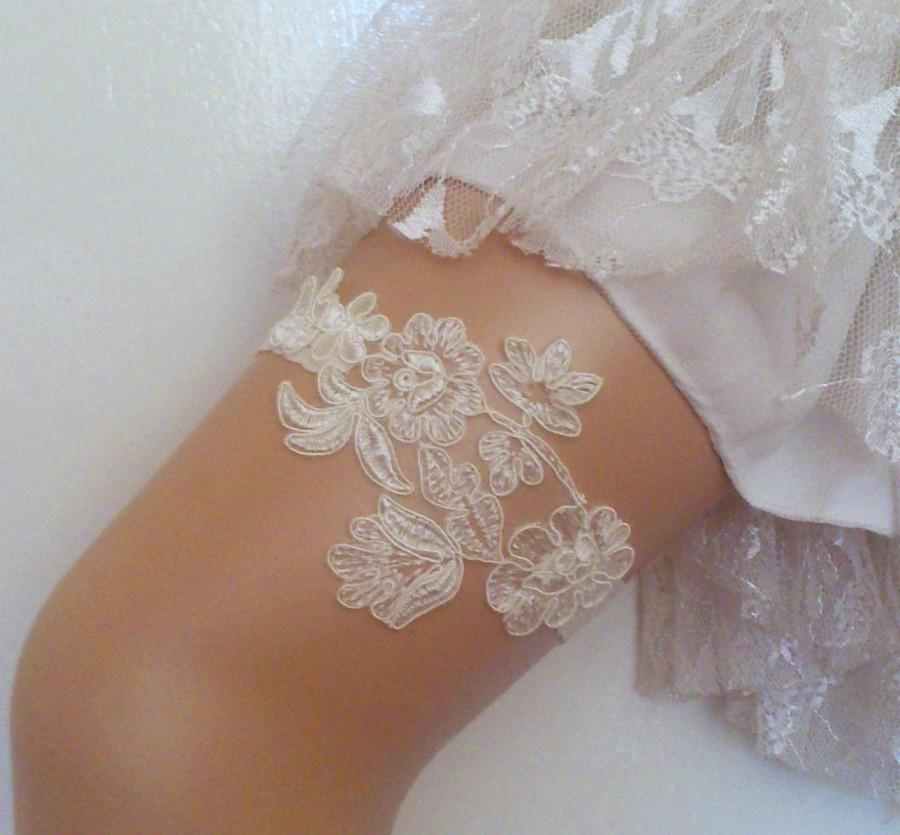 Ivory Garters Wedding: FREE SHIP Ivory Flower Wedding Garter Bridal Garter Lace