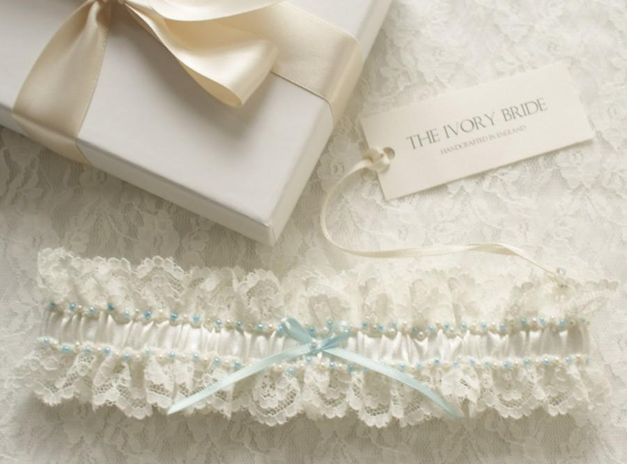 Hochzeit - Classique Ivory lace and pearl Garter with Blue bow