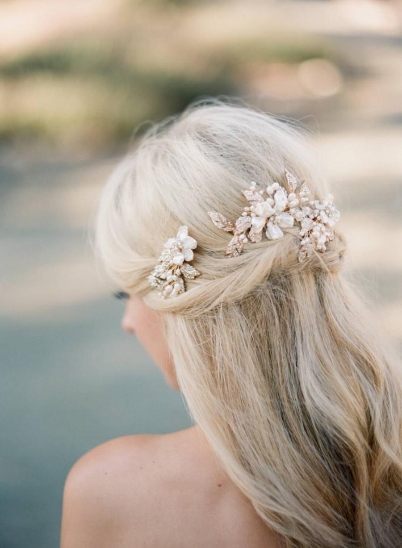 Mariage - Gold Bridal Hair Clip,Bridal Pearl Hair Comb, Freshwater Pearl Comb, Swaorvski Wedding Comb, Gold Bridal Pearl Headpiece, Bridal Hairclip