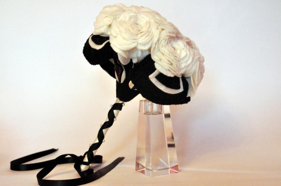Wedding - Ivory Rose Felt Bouquet / Art Deco Bouquet / Alternative wedding Bouquet / Everlasting Bouquet