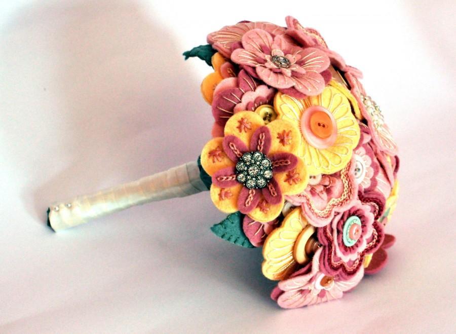 Mariage - Heirloom Bouquet / Vintage Bouquet / Felt Button Bouquet / Everlasting Bouquet / Handmade Bouquet / Bespoke Bouquet / Wedding flowers